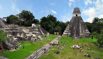 Tikal Mayan ruins in Guatemala. The Sumerians and Mayans are just two of the many early civilisations that declined apparently because they moved onto an agricultural path that was environmentally unsustainable. Credit: cc by 3.0