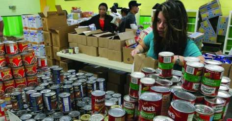 ALIVE Food Bank Distribution in Alexandria VA (Photo: Bread for the World)
