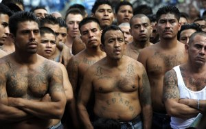 Members of the 18th street gang gather together at the Cojutepeque Jail in El Salvador.  (Photo: Getty Images)