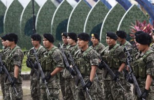 Peruvian soldiers: AP Photo/Rodrigo Abd
