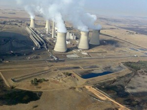 Arnot coal-fired power station in Middelburg, South Africa. Climate activists are pushing for a much greater rollout of renewable energy as the key to shifting the carbon-intensive energy sector towards a sustainable low carbon future. Photo credit: Gerhard Roux/CC BY-SA 4.0-3.0-2.5-2.0-1.0