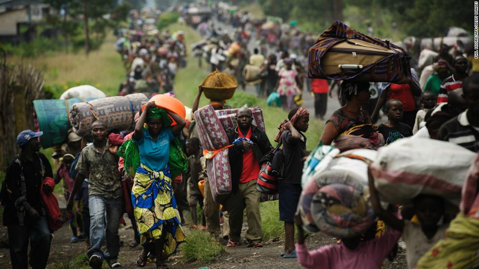 congo-crowds-fleeing