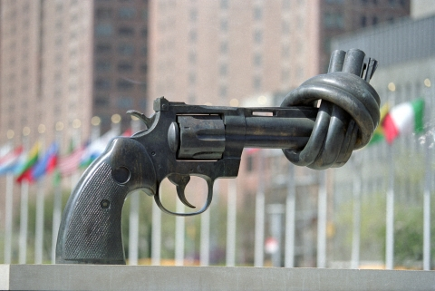 pistol with knotted barrel